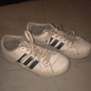 Size 7 Adidas Sneakers